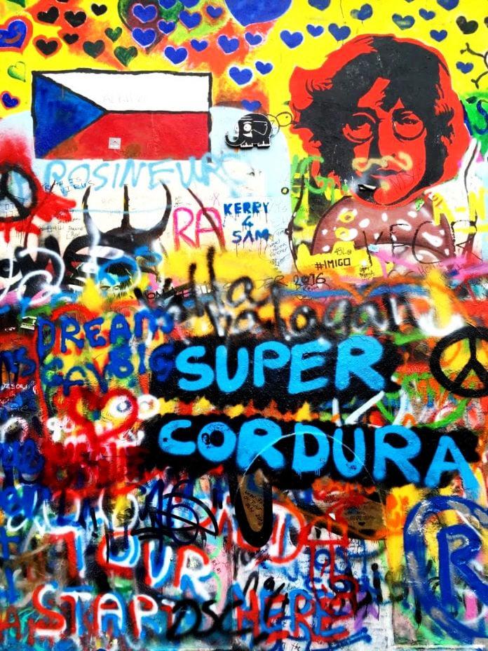 Praga: Muro John Lennon