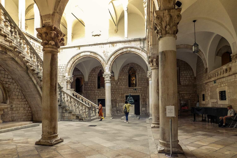Palácio de Reitor